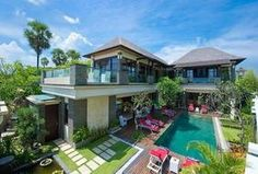 Villa Lega is a contemporary-styled beachfront villa, blessed with magnificent unobstructed views of the Indian Ocean. Villa Lega is in Batubelig, Bali. Villa Design, House Design, Bali Fashion, Tropical Houses, Big Houses, Luxurious Bedrooms, Luxury Villa, Swimming Pools, Mansions