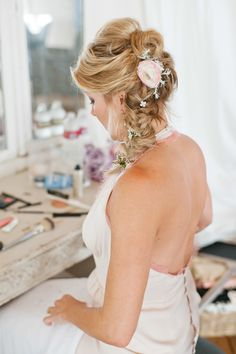 #Hairstyle   See the Wedding on #SMP Weddings - http://www.stylemepretty.com/2013/12/10/malibu-vineyard-wedding    Leila Brewster Photography