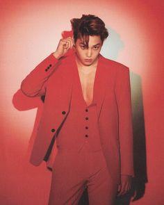 Sekaibaek in red! This has to be my favorite color on all of them. - EXO kpop kai jongin kimjongin sehun D.O chanyeol chen baekhyun lay erigom fashion gucci prive louisvuitton Luhan And Kris, Kris Wu, Baekhyun Chanyeol, Kpop Exo, Exo K, Jonas Brothers, Kihyun, Demi Lovato, Kim Kai