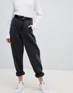 Browse online for the newest ASOS DESIGN tapered boyfriend jeans with curved seams and belt in washed black styles. Shop easier with ASOS' multiple payments and return options (Ts&Cs apply). Mode Outfits, Jean Outfits, Casual Outfits, Fashion Outfits, Fashion Men, Style Fashion, Men Casual, Fashion Weeks, Petite Fashion