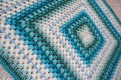 Colorful Crochet Granny Square Baby Blanket Afghan door tillietulip
