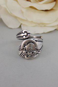 Hey, I found this really awesome Etsy listing at https://www.etsy.com/listing/120803788/lucky-girlringsilveririshcladdaghantique
