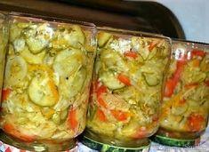 Sałatka na zimę z kapustą i ogórkami - wielowarzywna - przepis ze Smaker.pl Winter Salad, Cabbage Salad, Fresh Rolls, Vegetable Recipes, Preserves, Guacamole, Pickles, Zucchini, Vegetables