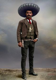 """""""""""I would rather die on my feet than live on my knees."""" Mexican revolutionary leader Emiliano Zapata, whose Zapatista peasant army fought a long guerrilla campaign south of Mexico City. This picture was taken in Mexico City in Western Film, Soldado Universal, Mexican Artwork, Mexican Revolution, Pancho Villa, Aztec Warrior, Victor Vasarely, Robert Motherwell, Frank Stella"""