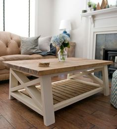 1600 wood plans - gorgeous light wood and cream paint farmhouse style coffee table with wood slats from Pine Main Woodworking Drawings - Get A Lifetime Of Project Ideas and Inspiration! Farmhouse Style Coffee Table, Farmhouse Table Runners, Modern Farmhouse Table, Rustic Coffee Tables, Cool Coffee Tables, Farmhouse Furniture, Country Furniture, Wood Pallet Coffee Table, Diy Coffee Table Plans
