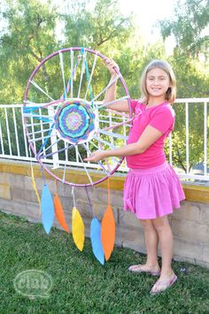 tween with giant dream catcher craft @clubchicacircle