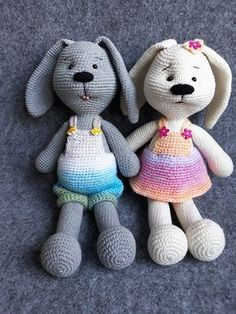 zajączki na szydełku krok po kroku Crochet Animal Patterns, Stuffed Animal Patterns, Crochet Animals, Crochet Ideas, Handicraft, Tatting, Diy And Crafts, Hello Kitty, Rabbit