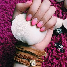 It's #ManiMonday  Pink Ombré Nails #manoircoquetterie #mymanoirnails #lemanoir #shopmanoir #overseasjewelry #mermaid