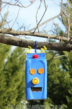 Robot Juice Carton Bird Feeder - FSPDT