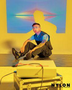 D Gray, Korean Fashion Men, Hip Hop And R&b, In God We Trust, Korean Artist, Iphone Wallpaper, Rapper, Indie, Celebrities