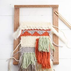 How to make a weaving loom? A few simple steps! Diy Picnic Table, Diy Outdoor Table, Outdoor Dining, Rustic Outdoor Furniture, Loom Weaving, Art Lessons, Decoration, Fiber Art, Textiles
