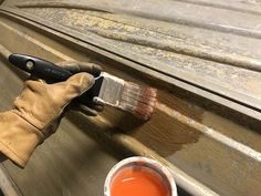 How to Easily Paint an Aluminum Boat (With Pictures) Aluminum Boat Paint, Aluminum Fishing Boats, Ice Fishing, Bass Fishing, Boat Restoration, Boat Projects, Jon Boat, Bass Boat, Boat Painting
