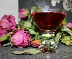 karviaislikööri Red Wine, Alcoholic Drinks, Glass, Drinkware, Alcoholic Beverages, Corning Glass, Alcohol