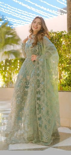 Asian Wedding Dress Pakistani, Beautiful Pakistani Dresses, Pakistani Formal Dresses, Pakistani Dress Design, Fancy Dress Design, Bridal Dress Design, Stylish Dress Designs, Party Wear Indian Dresses, Dress Indian Style