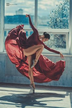 Discovered by ℒŮℵẴ. Find images and videos about photography, dance and ballet on We Heart It - the app to get lost in what you love.