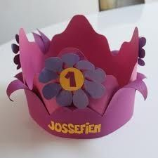 An adorable idea for a birthday crown. Princess Party Favors, Disney Princess Party, Cinderella Party, Diy For Kids, Crafts For Kids, Arts And Crafts, Diy Birthday Crown, Birthday Crowns, Mothers Day Crafts
