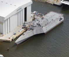 SHIP_LCS-2_Independence_Christening_lg.jpg