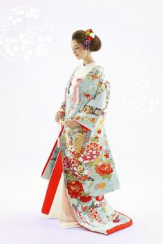 ilo-uchikake: robe style Japanese wedding kimono. This beautiful UCHUKAKE is usually brocaded or embroidered with the motif of congratulations such as cranes, pines, and a bounty of flowers. It is believed that UCHIKAKE started to be worn by the high-class samurai family women in the Muromachi era (1336–1573). During the Edo era (1603–1868), UCHIKAKE became a more common kimono for the high-class women.