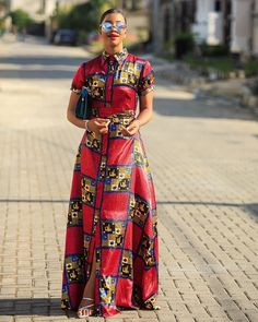 Africa silk maxi dress Effortless chic Belted Handmade in Lagos Nigeria. Mode Outfits, Casual Outfits, All Fashion, Luxury Fashion, Infinity Dress, Effortless Chic, African Fashion Dresses, Everyday Outfits, Ankara