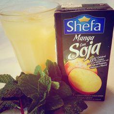 Você está buscando uma bebida leve, saborosa e prática? Já conhece o suco à base de soja sabor manga da Shefa? Ele é fonte de proteínas, vitamina C e minerais. Contém 0% de colesterol e 0% lactose. Uma delícia!!!
