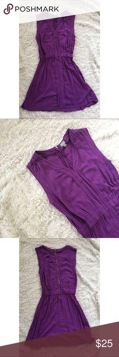 Purple Dress Sleeveless V-neck Dress. Exposed Zipper in back. Elastic Waist. VERY Flattering!! Shoulder to hem: 32in. Make me an offer!! Converse Dresses Mini