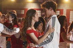 beautiful-celebrities High School Musical: The Musical: The Series Boss Dishes on That Finale Cliffh Hig School, High School Art, High School Dance, High School Relationships, Relationship Goals, High School Musical Cast, Anne With An E, Tv Guide, Best Couple