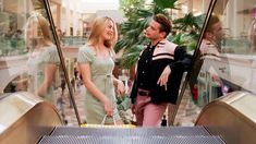 Queston Cher would spend a typical weekend shopping at the mall with Christian. Clueless 1995, Clueless Outfits, Cool Outfits, Clueless Fashion, 90s Fashion, Fashion Beauty, Clueless Aesthetic, Cher Horowitz, Google Shopping