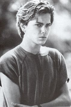 River Phoenix so handsome, too young to die :( River Phoenix, Beautiful Boys, Pretty Boys, Beautiful People, Look At You, How To Look Better, West Hollywood, Cute Guys, Pretty People
