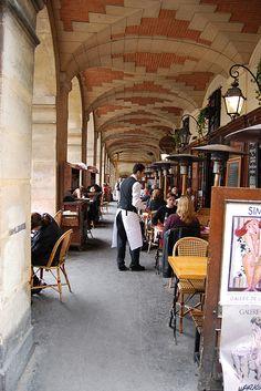 PARIS Le Marais I Ma Bourgogne, Place des Vosges in le Marais