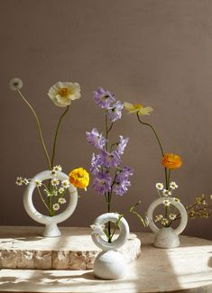 Craft Day, Art N Craft, Bright Wedding Colors, Glue Art, Diy Clay, Vases Decor, Interior Inspiration, Flower Arrangements, Glass Vase