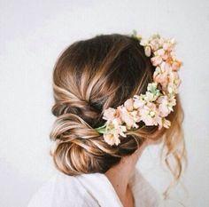 Messy bun + flower crown @Teresa Selberg Selberg Simmons #WantThatHair
