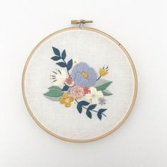 FLORAL SPRAY Embroidery Pattern Digital Download par ThreadFolk