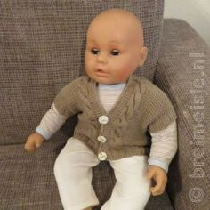 Patroon om een babyvestje te breien | Breimeisje.nl Baby Born Kleidung, Outfit, Doll Clothes, Knitting Patterns, Barbie, Men Sweater, Blog, Pullover, Sweaters