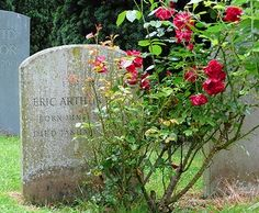 George Orwell's grave - All Saints Churchyard, Sutton Courtenay, England https://www.flickr.com/photos/christianpayne/2495131450/in/photostream/