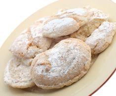 Gaštanové rožky Bread, Cookies, Desserts, Food, Biscuits, Meal, Deserts, Essen, Hoods