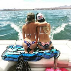 Lake life in Lake Havasu AZ. Can I get an Amen? Can i get a God Bless America?  #LakeHavasuPowerboatClub #LakeHavasu #Havasu #Lakelife #PerformanceBoats #TheChannel #LondonBridge #RiverLiving #DCB #Eliminator #MagicPowerboats #Essex #Topock