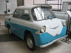 Wha a beauty! Smyk- a 1957 1 cylinder Polish prototype that never went into high production. Didn't lead to much except, possibly, the similar Nami Belka. Microcar, Weird Cars, Cool Cars, Crazy Cars, Smart Car, City Car, Unique Cars, Car Humor, Custom Cars
