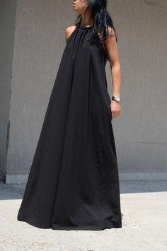 Дълга черна рокля с изрязан гръб Kotyto | Онлайн маркови дамски дрехи, мъжки дрехи и дамски обувки. Online магазин за маркови рокли, блузи, ризи.