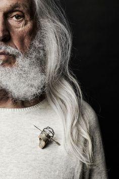 Brooch, concrete, sterling silver and 24k gold leaf. 2014 Jewel: Catrie Photo: Elizabeth Delage & James Rosen Model: Armand Vaillancourt Mua: Janick Sabourin Poirier: