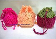 Crochet: a granny square drawstring purse. Crochet: a gr. Crochet: a granny square drawstring purse. Crochet: a granny square drawstr Sac Granny Square, Point Granny Au Crochet, Granny Square Crochet Pattern, Crochet Patterns, Granny Squares, Crochet Squares, Bag Patterns, Crochet Drawstring Bag, Crochet Pouch