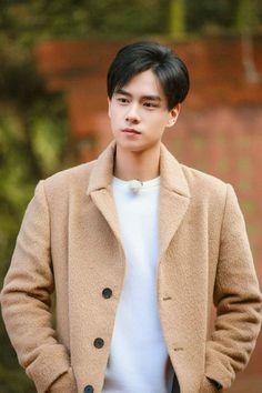 胡一天 has no bad angles smh Most Handsome Actors, Handsome Boys, Asian Actors, Korean Actors, Korean Celebrities, Celebs, China Movie, A Love So Beautiful, Perfect Boy