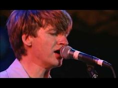 Crowded House - Don't Dream It's Over Live (HQ) - YouTube