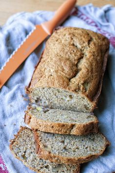 Graham Flour Banana Bread - Made with graham flour which gives it a nutty sweetness similar to that of a graham cracker. Best Bread Recipe, Quick Bread Recipes, Flour Recipes, Banana Bread Recipes, Cookbook Recipes, Baking Recipes, Sweet Recipes, Flours Banana Bread, Fruit Bread