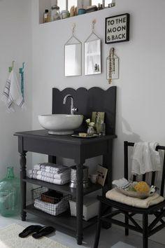 2 Likes - Entdecke das Bild von COUCH_Living auf COUCHstyle zu 'Waschtisch in Anthrazit #bad #waschtisch #waschbecke...'.