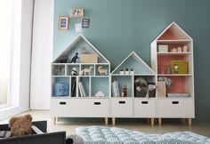 Quel plaisir de ranger jouets, livres et même vêtements dans ces jolies maisons pleines de rangements !