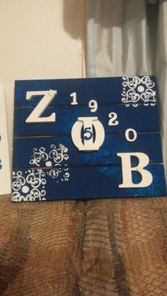 Zeta Phi Beta Sorority Inc. I love this, it's too cute and can be diy with repurposed wood Sigma Gamma Rho, Zeta Phi Beta, Sorority Gifts, Sorority And Fraternity, Greek Crafts, Divine Nine, Hand Made Greeting Cards, Repurposed Wood, Greek Art