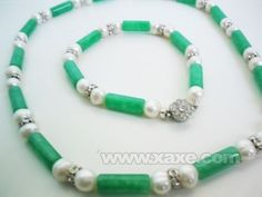 """XaXe.com - material: white freshwater pearl and lavender jade bead necklace length :approx 17""""( including clasp ) bead size :14mm clasp: moonlight clasp"""