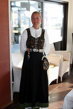 vestfold bunad Lillehammer, Going Out Of Business, Norway, Scandinavian, Families, Costumes, Fancy Dress, My Family, Costume