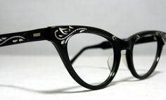 Love vintage glasses