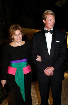 henry en maria teresa Maria Teresa, Grand Duke, Lady, Clothes, Women, Fashion, Luxembourg, Outfits, Moda